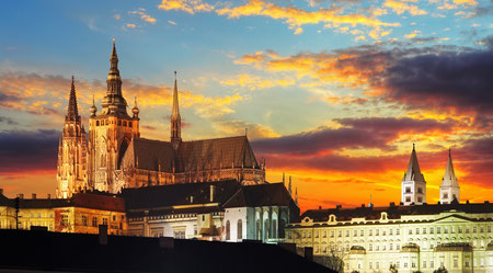 Best things to do - Prague Castle at sunset - Czech republic Copyright TTstudio