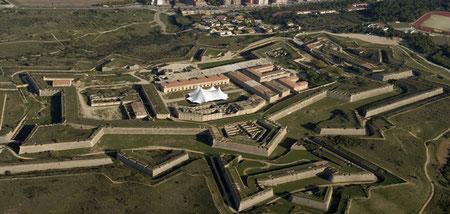 замки на Коста Брава, крепости на Коста Брава, военный музей на Коста Брава