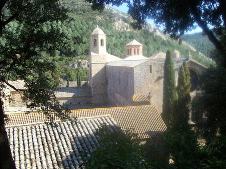 Аббатство Фонтфруа, экскурсии по южной Франции, орден цистерцианцев, Цистер в южной Франции