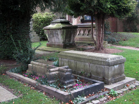 Chatwin's tomb is the second from the front.