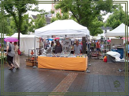 """Töpfermarkt Siegburg Stand der Keramikwerkstatt """"Ton und Töne"""""""