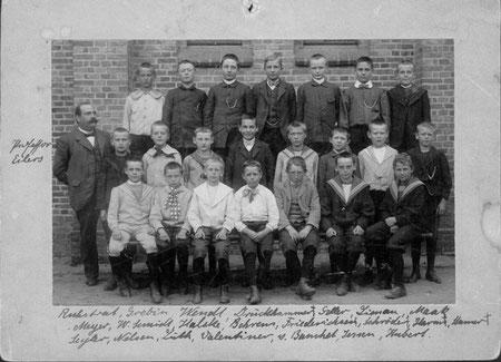 Franz mit seinen Klassenkameraden