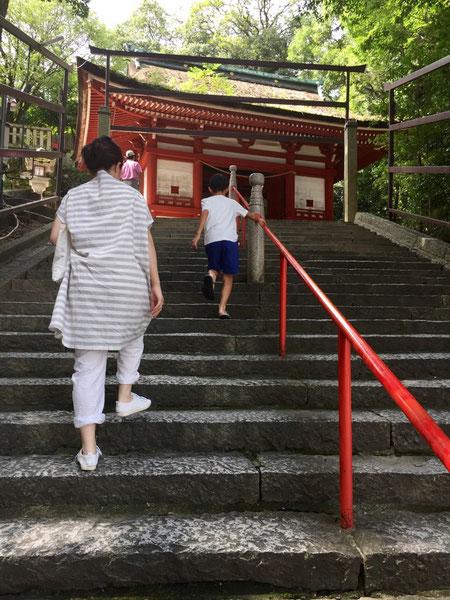 盆休みを取って小旅行をしてきました♪ 観光一発目は「吉備津神社」へ♪