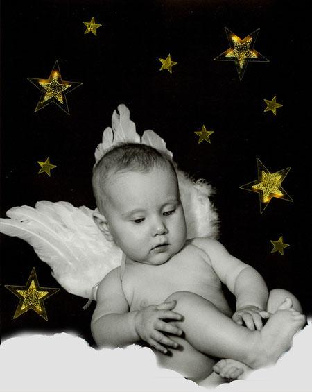 Engel mit goldenen Sternen