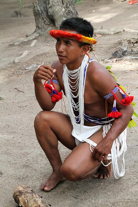 etwa 14.000 Piaora Indianer leben hier am Fluss