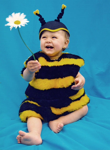 Emily als Biene