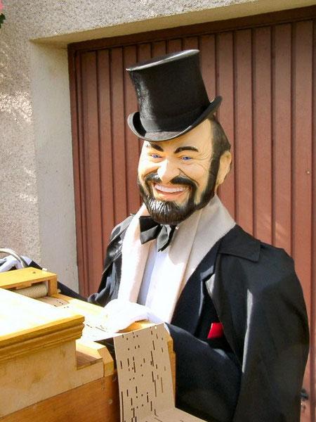 Automate Pavarotti
