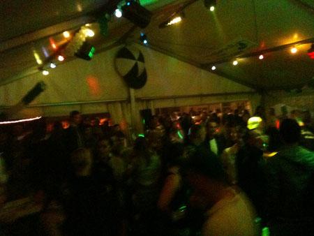Partytime im Zelt