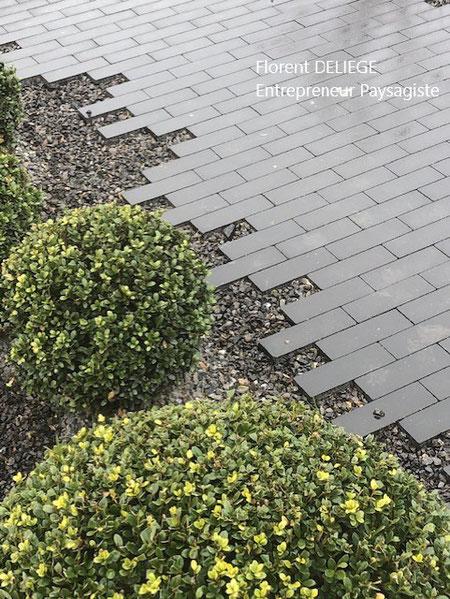 pavage allée piétonne contemporain moderne contemporary landscaping