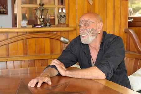 Le capitaine Zouzou : son tatouage est originaire des îles Samoa (D. Scherwin-White)