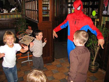 человек паук на детский праздник на дом школу детский сад