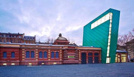 Kunsthalle Mainz mit angeschlossenem Cafe 7°