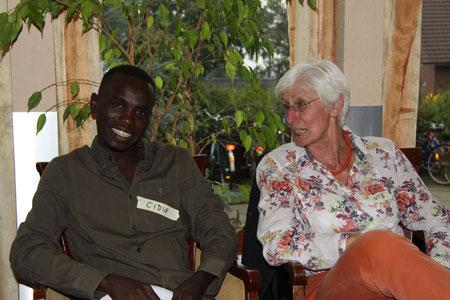Ute und Cidis unterhalten sich über das Leben in Deutschland