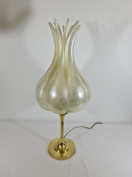 Grande lampe Fleur en plexiglas nacré édition Rougier vers 1970