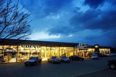 Volvo + Landrover
