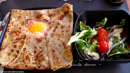 Déjeuner au Touquet, photo non libre de droits