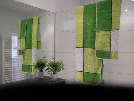 Duschtrennwand  und Spiegel