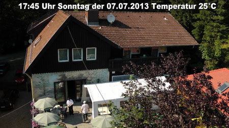 Wetter vom Sonnstag den 07.07.2013 um 17:45 Uhr Temperatur +25°C sonnig, blauer Himmel. © Copyright by Olaf Timm