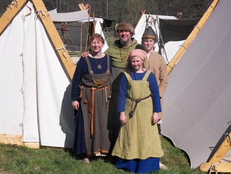 v.l.n.r: Alma, Leif Haflison, Lisa und Laki Leifson