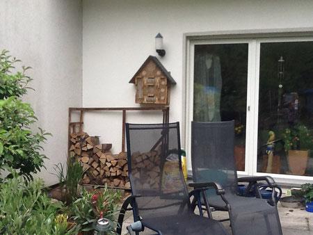 Mittelgroßes Insektenhotel in Bergisch Gladbach - Rommerscheid