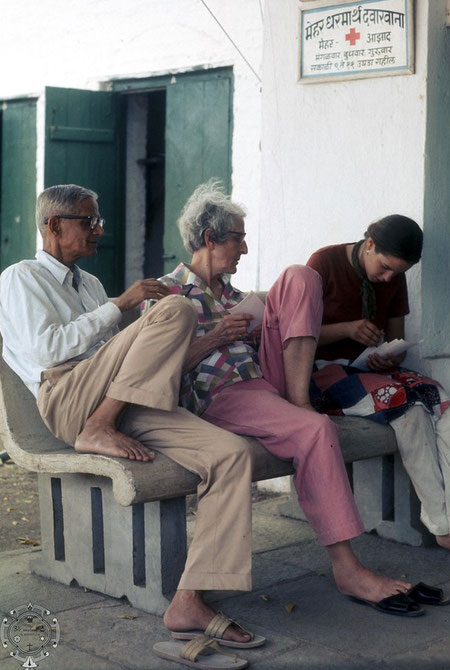 Rano sitting with Bal Natu and Kristine Nordeen . Photo taken by BOBBY  BUGGIA.