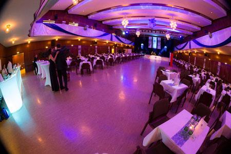 Der feierliche Ball-Saal