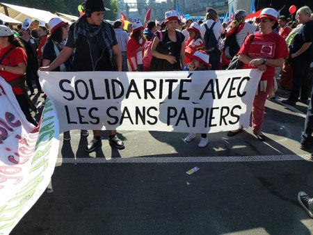 """Solidaritätsaktion """"Kein Mensch ist illegal"""""""