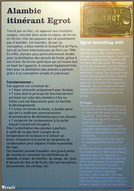 """Le """"Musée de la Lavande"""" à Coustellet (84) : panneau explicatif alambic intinérant Egrot"""