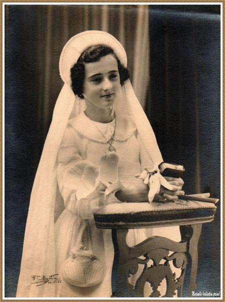Gujan-Mestras autrefois : Communiante en 1942, ma maman, Ginette Pédemounou (plus tard, épouse de Almeida), Bassin d'Arcachon (photo de famille, collection privée)