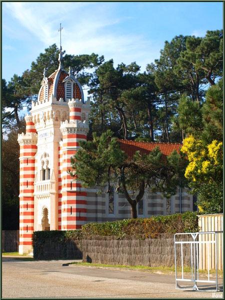 Chapelle Algérienne vue depuis la route, Village de L'Herbe, Bassin d'Arcachon (33)