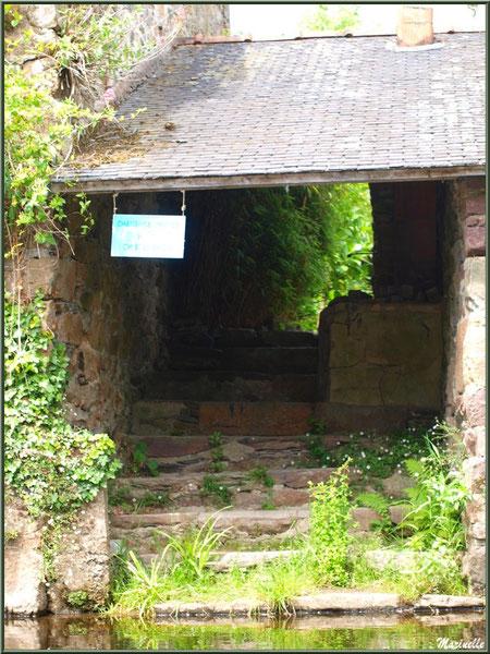 Lavoir déserté sur Le Trieux, Pontrieux, Côte d'Armor (22)