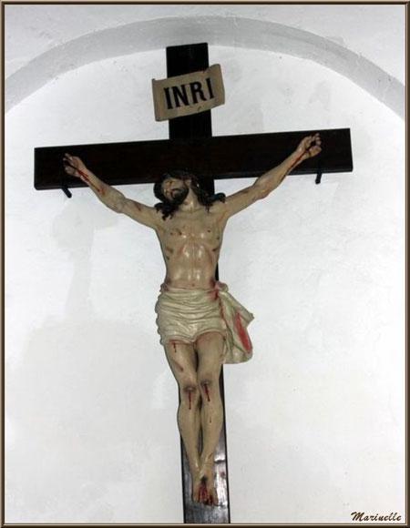 Le Christ en croix à l'église Saint Sébastien - Goult, Lubéron - Vaucluse (84)