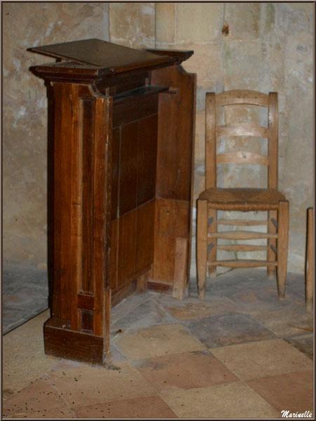 Le prêchoir jouxtant l'autel, église Saint Pierre de Mons à Belin-Beliet (Gironde)