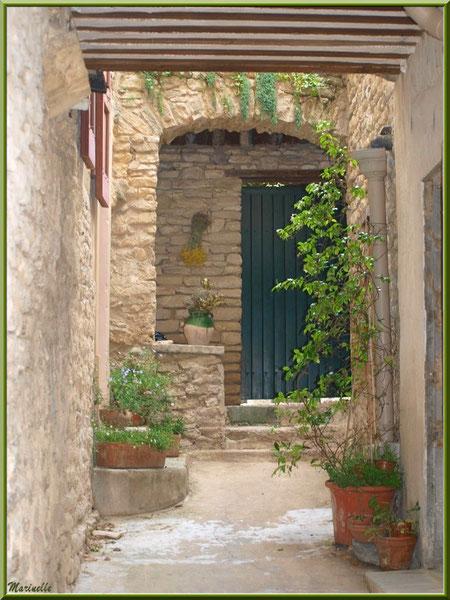 Passage privé - Goult, Lubéron - Vaucluse (84)