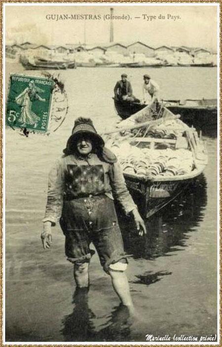Gujan-Mestras autrefois : Parqueurs et parqueuse avec leur pinassote au Port de Larros, Bassin d'Arcachon (carte postale, collection privée)