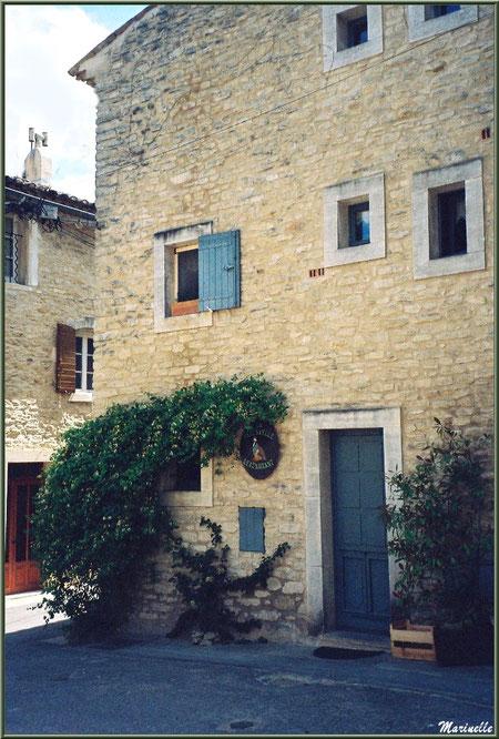 """Restaurant """"La Bartavelle"""" - Goult, Lubéron - Vaucluse (84)"""
