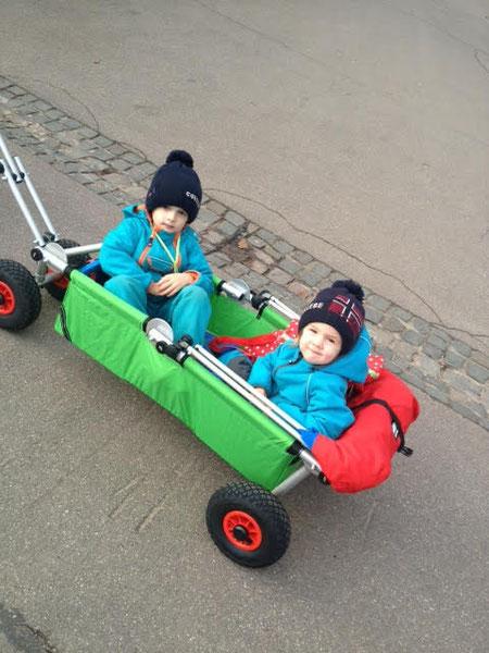 der Familienfreund - ulfBo - super praktischer Bollerwagen