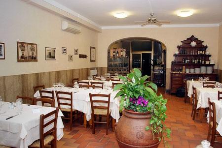 Sala principale del Ristorante Il Falcone di Poggio a Caiano - Prato