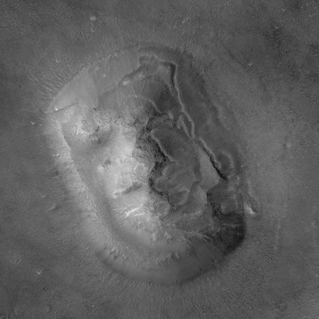 "Das ""Marsgesicht"", aufgenommen von ""Mars Global Surveyor"", 2001. (NASA / JPL / Malin Space Science Systems)"
