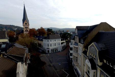Bad Honnef am Rhein bietet schöne Geschäfte, Restaurants und Bars direkt in der Nähe der Ferienwohnung Goosmann.