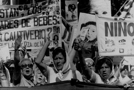 'Bedstemødrene fra Plaza de Mayo' under diktaturet (1976-1983)