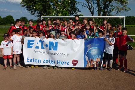 """RWL bedankt sich für die Spende von EATON für """"Tu was für die Jugend"""""""