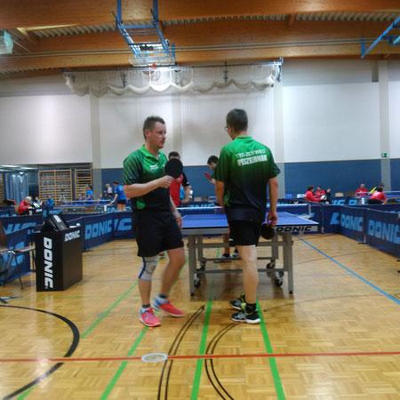 Gernot Egger (links) entpuppte sich zum Stolperstein für Sierndorf. Der Steirer blieb in allen drei Einzelspielen ungeschlagen.
