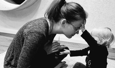 Stefanie Anna Kremser Urkraftwunder Yoga Coaching Sound Healing Visionärin Yogalehrerin Coach Körper Geist Seele Meditation Kurse Workshops Onlinekurs Retreats Circles Erinnerung an mein natürliches Sein