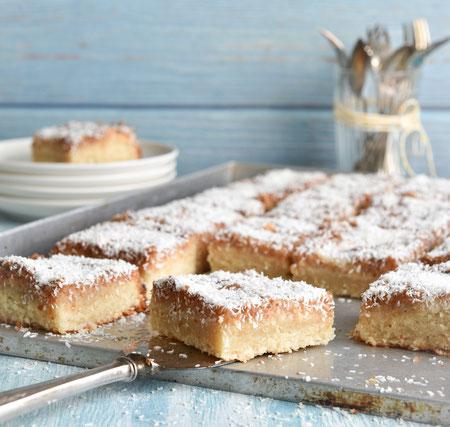 Saftiger Kokos Blechkuchen Der Klassiker Aber Ohne Sahne Essen