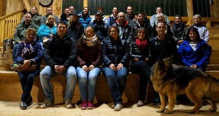 Gruppenfoto Arbeitskreis Regensburger Pensionspferdehalter und Stallbetreiber