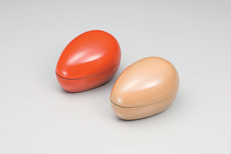 たまごの様な形をしたユニークな蓋物です