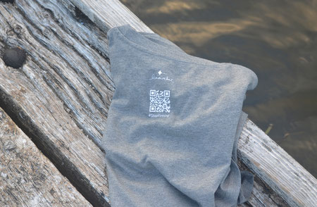 honourebel shark protection. T-shirt with blue shark and QR code.