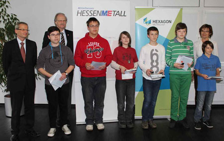 Alessio Garotti (5.v.l) mit den Kreissiegern des Mathematikwettbewerbes
