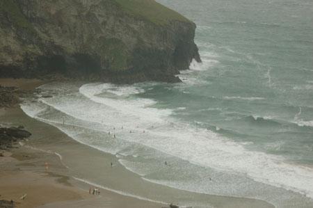 es gibt tatsächlich Leute, die bei diesem Wetter schwimmen gehen